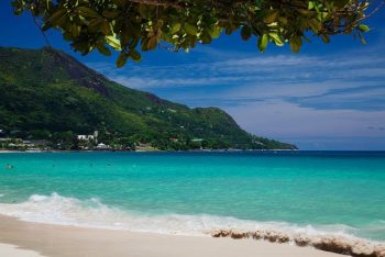 voyage beau vallon seychelles