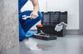 réparer un récupérateur d'eau qui fuit